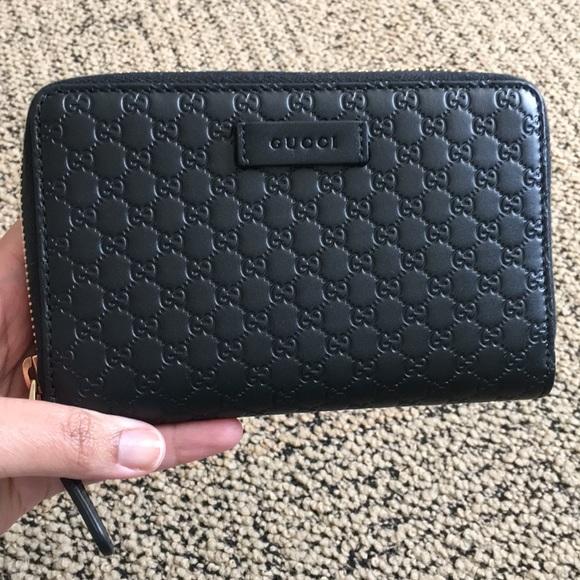 f3bfa33a5779 Gucci Handbags - Like New Black Gucci Guccissima Zip Around Wallet